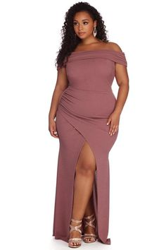 Plus Size Gowns, Plus Size Outfits, Windsor, Dresses For Apple Shape, Dresser, Fashion To Figure, Ruched Dress, Mermaid Dresses, Nice Dresses