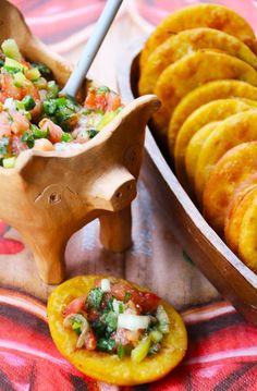 Receta Típica Chilena: Sopaipillas con Pebre. Aprende como cocinar paso a paso unas ricas sopaipillas con pebre | CherryTomate
