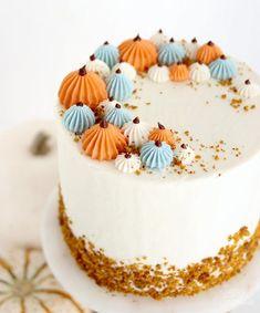 Halloween Torte, Bolo Halloween, Halloween Desserts, Cute Halloween Cakes, Haloween Cakes, Pretty Cakes, Beautiful Cakes, Amazing Cakes, Fall Cake Recipes
