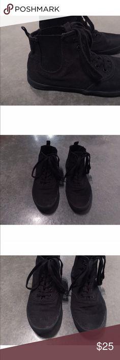 Black High Top Tennis Shoe High Top Tennis Shoe Cut   Lace Up   All Black H&M Shoes Sneakers