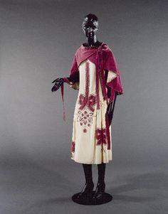 Jeanne Lanvin  Couturier  Hiver 1924 et 1925: neat mantle