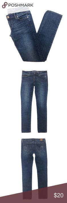 """AEO Skinny Jeans 4R Medium wash low rise skinny jeans from American Eagle Outfitters, size 4. Length is regular. Good condition, no stains.  • Material: 99% cotton, 1% spandex • Length: 37.5"""", Inseam: 31"""", Waist: 15.5"""", Rise: 7"""", Cuff: 6"""" American Eagle Outfitters Jeans Skinny"""