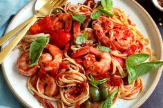 Linguine with shrimp peppers and tomatoes