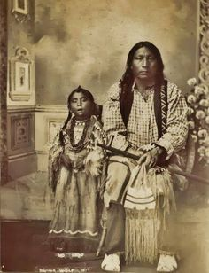 American Indian Pictures: Arapaho Indians of the Great Plains - Native American Tribe Historic Photo Gallery Native American Beauty, Native American Photos, Native American Tribes, American Indian Art, Native American History, American Indians, Indian Tribes, Native Indian, Art Indien