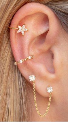 Bijoux Piercing Septum, Unique Ear Piercings, Ear Piercings Chart, Ear Peircings, Helix Piercings, Types Of Ear Piercings, Piercings For Girls, Cute Piercings, Ear Jewelry