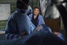 Viagem de avião prepara surpresas em Grey's Anatomy - http://popseries.com.br/2017/04/10/greys-anatomy-13-temporada-in-the-air-tonight/