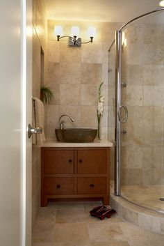 Small Bathrooms Design, Pictures, Remodel, Decor and Ideas - page 9 like the tile