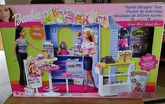 2003 Mattel Barbie Sweet Shoppin' Fun Playset Toy R Us exclusive MIB MINT
