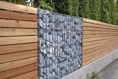 Gartenzaun Picket fences and gabions provide good privacy – which is a must, especially for … Outdoor Sheds, Backyard Fences, Garden Fencing, Door Protection, Gabion Baskets, Timber Roof, Gabion Wall, Living Fence, Baskets On Wall