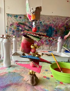 Allow the clay to harden and dry, and display your child's super special sculpture in a prominent pl Cardboard Sculpture, Cardboard Art, Recycled Art Projects, Upcycled Crafts, Art For Kids, Crafts For Kids, Arts And Crafts, Arte Elemental, Sculpture Lessons
