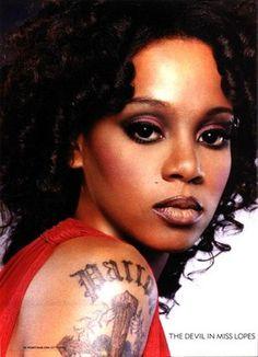 "Lisa - Lisa ""Left Eye"" Lopes Photo (26431071) - Fanpop 90s Makeup Look, Edgy Makeup, Black Girl Makeup, Girls Makeup, Makeup Inspo, Makeup Looks, Hair Makeup, 1990s Makeup, Lisa Nicole"