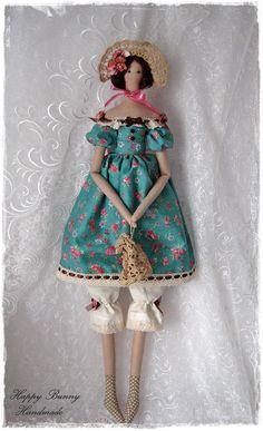 Tilda doll Textile doll Tilda doll with Bonnet Hat and Crochet Handbag Fabric doll Home decor Ready to ship! Meet Mademoiselle Lavinia. She is a beautiful handmade doll and my interpretation of a Tilda doll pattern. Lavinia doll is wearing a beautiful blue-green dress decorated