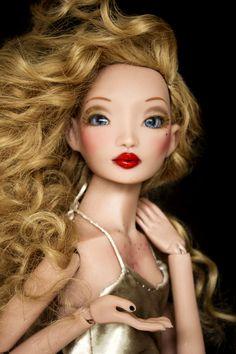 Pidgin Doll - Gold Hair