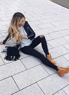 #fashion #fall · Chaqueta de cuero + Destroyed Jeans + Bolsa de hombro