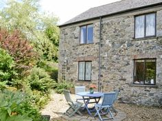 Sitting-out-area | Lower Mill Cottage, Peter Tavy, nr. Tavistock