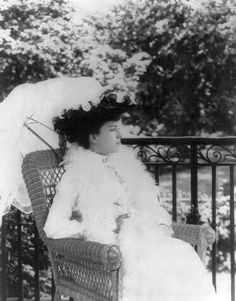 Alice Roosevelt Longworth, née Alice Lee Roosevelt, American socialite and daughter of U. President Theodore Roosevelt, who w. Alice Roosevelt, Roosevelt Family, Theodore Roosevelt, Sigmund Freud, America Civil War, Ford, Vintage Beauty, Old Photos, American History