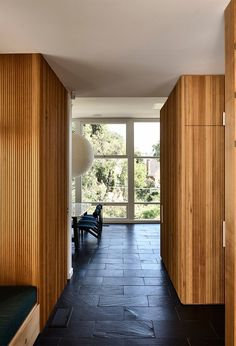 modern entryway ideas Kennedy Nolan, Interior And Exterior, Interior Design, 1950s House, Architecture Awards, Architecture Design, The Design Files, Australian Homes, Mid Century House