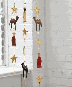 Three Kings Day / Dia de los Reyes -- Hanging Garland                                                                                                                                                                                 Más