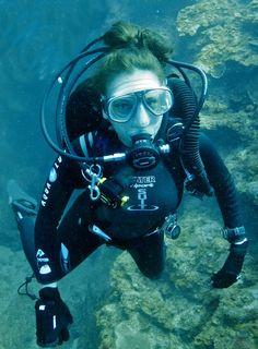 nude women scuba diving