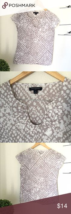 Blouse Great conditions Banana Republic Tops Blouses