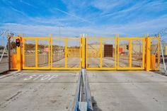 Automatic Bi-folding Speed Gate security interlock system http://www.frontierpitts.com/products/gates/bi-folding-speed-gates/