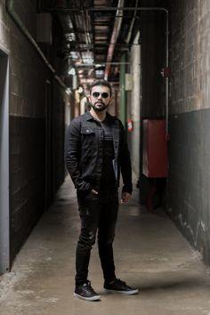 O que usar no Inverno 2019: jaqueta jeans preta! | Blog do Bruno Figueredo Polo Wear, Look, Style, Fashion, Black Jeans, Jean Jacket Hoodie, Winter Time, Moda, La Mode
