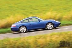 Blue Porsche 996 Carrera 4