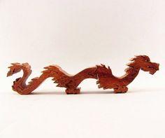 Soporte de madera de Dragon Puzzle
