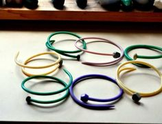This is right up your alley! Make Knitting Needle Bangles : This is right up your alley! Make Knitting Needle Bangles Dollar Store Crafts, Dollar Stores, Knitting Projects, Knitting Patterns, Diy Knitting Needles, So Creative, Crafty Craft, Crafting, Girls Accessories