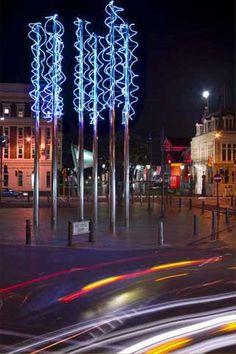 wellington art icons - Sculpture: Sky Blues  Artist: Bill Culbert  Material: Steel, blue neon  Date:2006  Location: Post Office Square