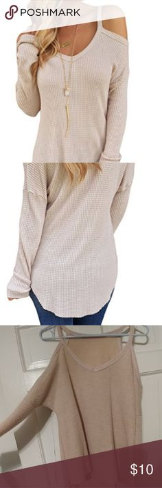 Cold Shoulder Long Sleeve Top EUC, worn & washed once! Soft material. Looks great with leggings & boots!💝 Size is 8-10. dokotoo Tops Tunics