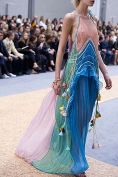 Chloe, Spring 2016 - The Prettiest Runway Details of Spring 2016 - Photos