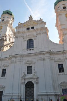 Stephen's Cathedral is a baroque church from 1688 in Passau… Passau Germany, Catholic Bishops, Saint Stephen, Cathedrals, Cover Photos, Vienna, Baroque, Castles, Amsterdam