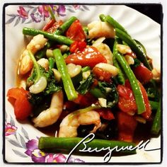 Cooking Like A Pro (Not really.): Cooking Chinese Long Beans Like a Pro (Not really! Filipino Dishes, Filipino Recipes, Chinese Long Beans, Pro Cook, Philippines Food, Pinoy Food, Bean Recipes, Shrimp Recipes, Kung Pao Chicken