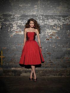 Charming Red Silky Taffeta Knee Length Strapless Bridesmaid Dress