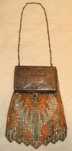 Beautiful Antique Whiting & Davis Co Mesh Bags Purse & Compact