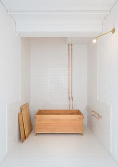 Badbox Bath by Studio Anna van der Lei for Jonathan Tuckey