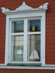 Kokkola Karleby Finland: Kauniita ikkunankehyksiä Neristanissa