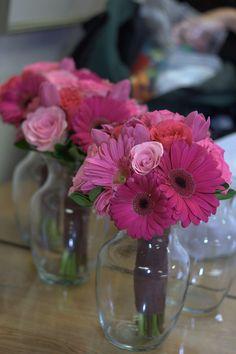 Easy DIY guest table arrangements   Wedding Decorator Blog
