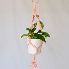 Makraméampel liten Second Hand, Plant Hanger, Plants, Home Decor, Pictures, Decoration Home, Room Decor, Plant, Home Interior Design