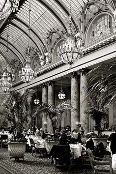 #TBT to a more elegant time. At the turn of the century, glamorous citizens enjoyed high tea in the Palace Hotel San Francisco, A Luxury Collection Hotel. One of the oldest establishments in the city, the hotel still hosts beautiful receptions in its perfectly appointed dining room. #SFBay