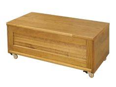 Um baú de madeira no meu quarto!