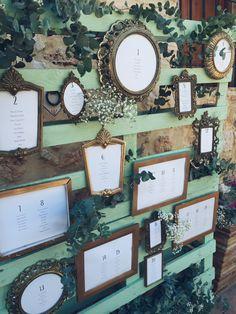 Seatting plan vintage/ Marcos antiguos Más en www.señoryseñorade.com #bodassrysrade