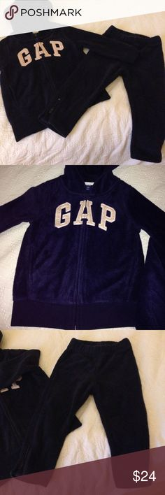 Gap Logo fleece set Super warm and comfy fleece set made by Gap! Used and in great condition. Keep your little one warm and cozy in this classic Gap set GAP Matching Sets