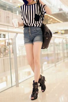 Striped Contrast Colored Long Length T-shirt