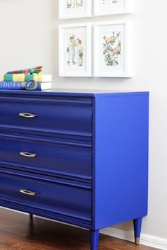 amazing dresser for a little boy's room - love the electric blue paint on a mid-century modern dresser. from natty by design. Blue Furniture, Painted Furniture, Diy Furniture, Accent Furniture, Modern Furniture, Furniture Projects, Furniture Makeover, Do It Yourself Design, Green Desk
