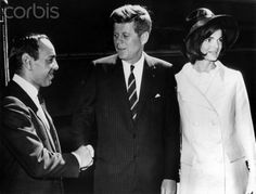 Kennedy receives Moroccan King