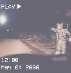 >One step for man, a leap for mankind< câmeras vintage, aesthetic galaxy Aesthetic Grunge, Aesthetic Vintage, Aesthetic Galaxy, Aesthetic Photography Grunge, Aesthetic Space, Aesthetic Iphone Wallpaper, Aesthetic Wallpapers, Vaporwave, Aesthetic Pictures