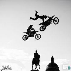 #moto #freestyle #black and white #geometria