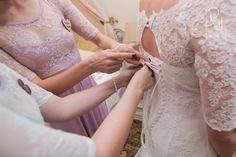 Picture Lace Wedding, Wedding Dresses, Wedding Venues, Wedding Photography, Pictures, Fashion, Wedding Reception Venues, Wedding Shot, Photos